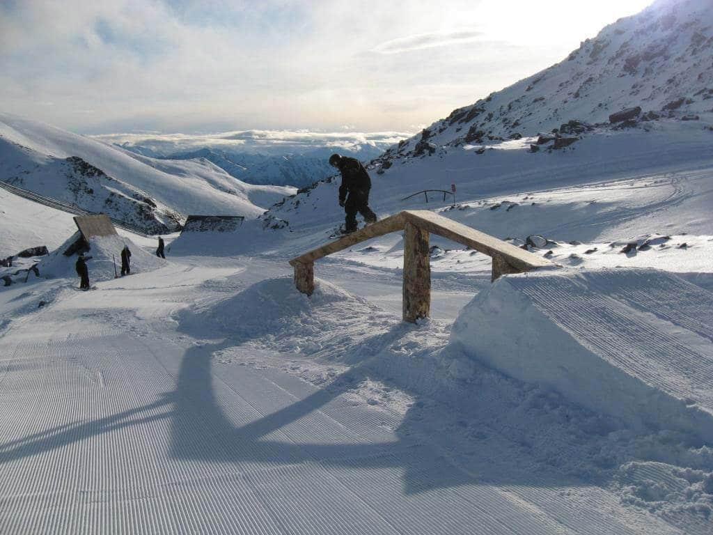 Snowboarding-in-Morzine-content