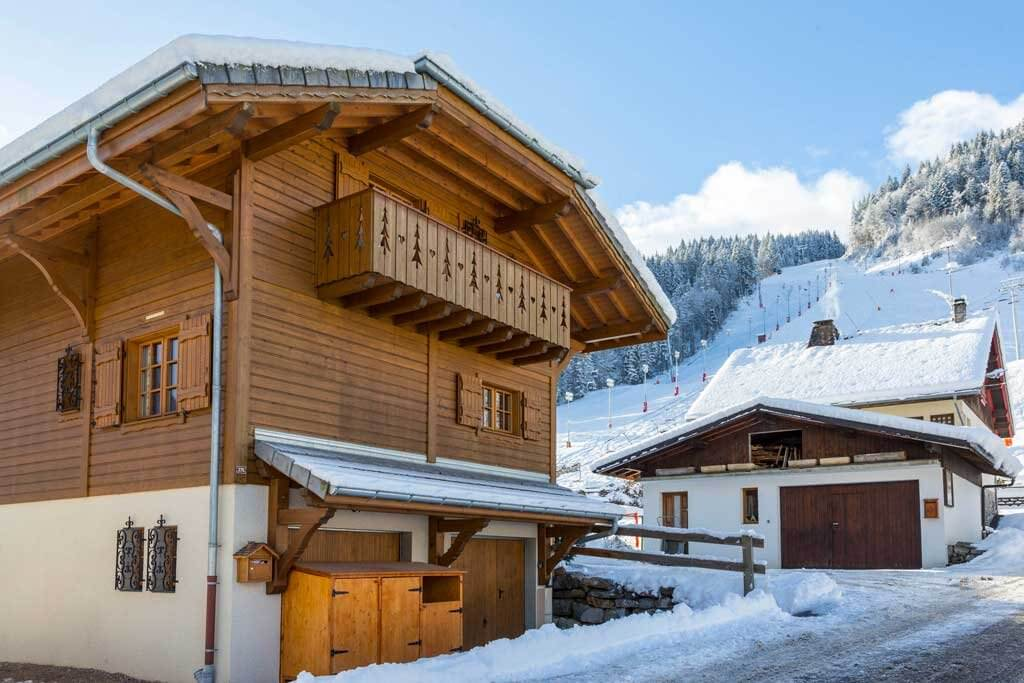 G Chalet Carving – winter 1